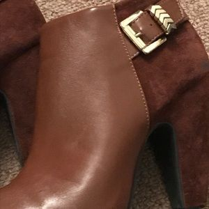 Two-tone Cognac Ankle Booties